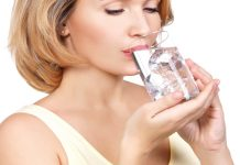 bị đau họng nên uống nước gì